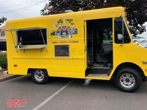Turnkey Ready Chevrolet P30 Step Van Food Truck with 2019 Kitchen.